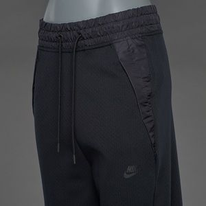 Nike Tech Fleece Long Shorts Nike Tech Pack